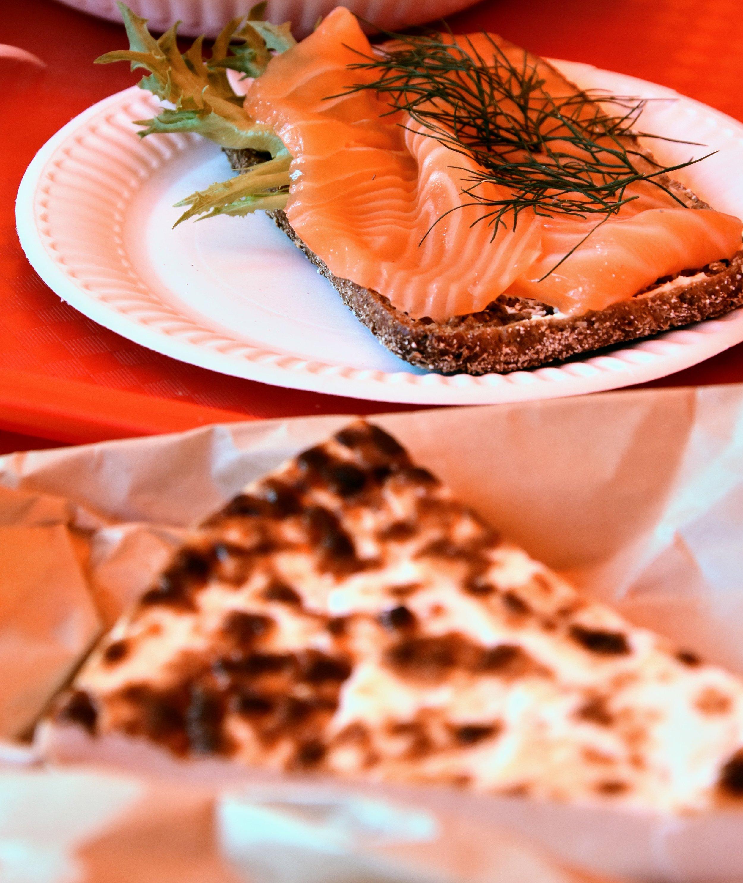 Laxsmörgås och kaffeost som back up-lunch.