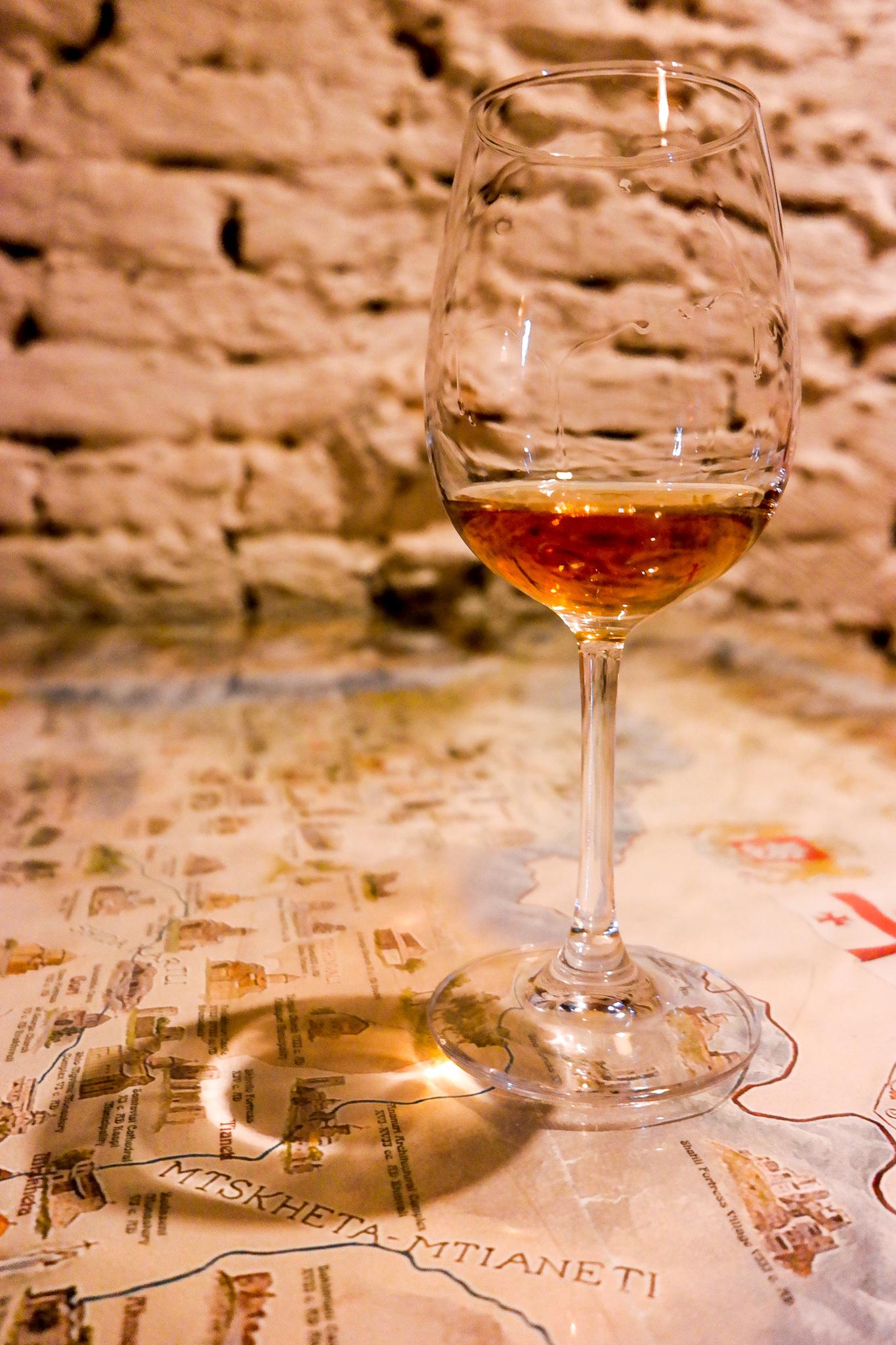 Amber wine från östra Georgien.