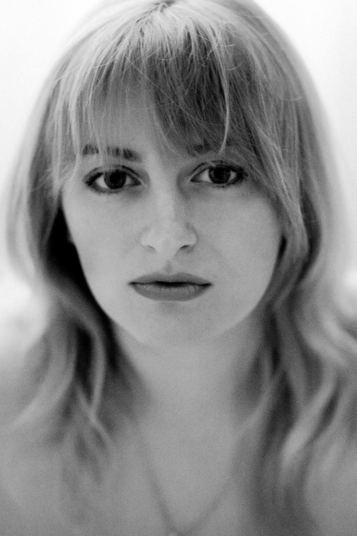 Olga will focus on women's portraiture