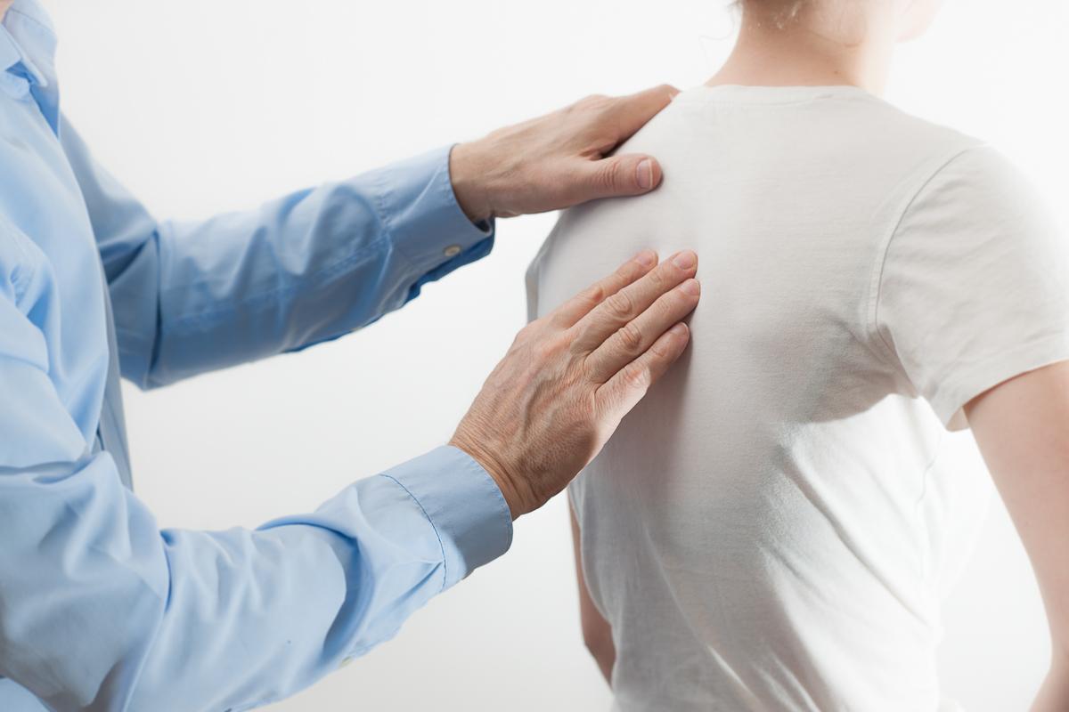 controllo colonna vertebrale chiropratico