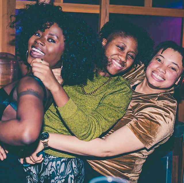 Last month around this time I celebrated my 27th birthday 🎁 and barely made it out alive 🤣! Either way, thank you for showing out and celebrating with me! Special thanks again to @e.m.disantis @roxannercampbell @itsadair_ @bostonchery @najayoung 📸@umbra_et_lux