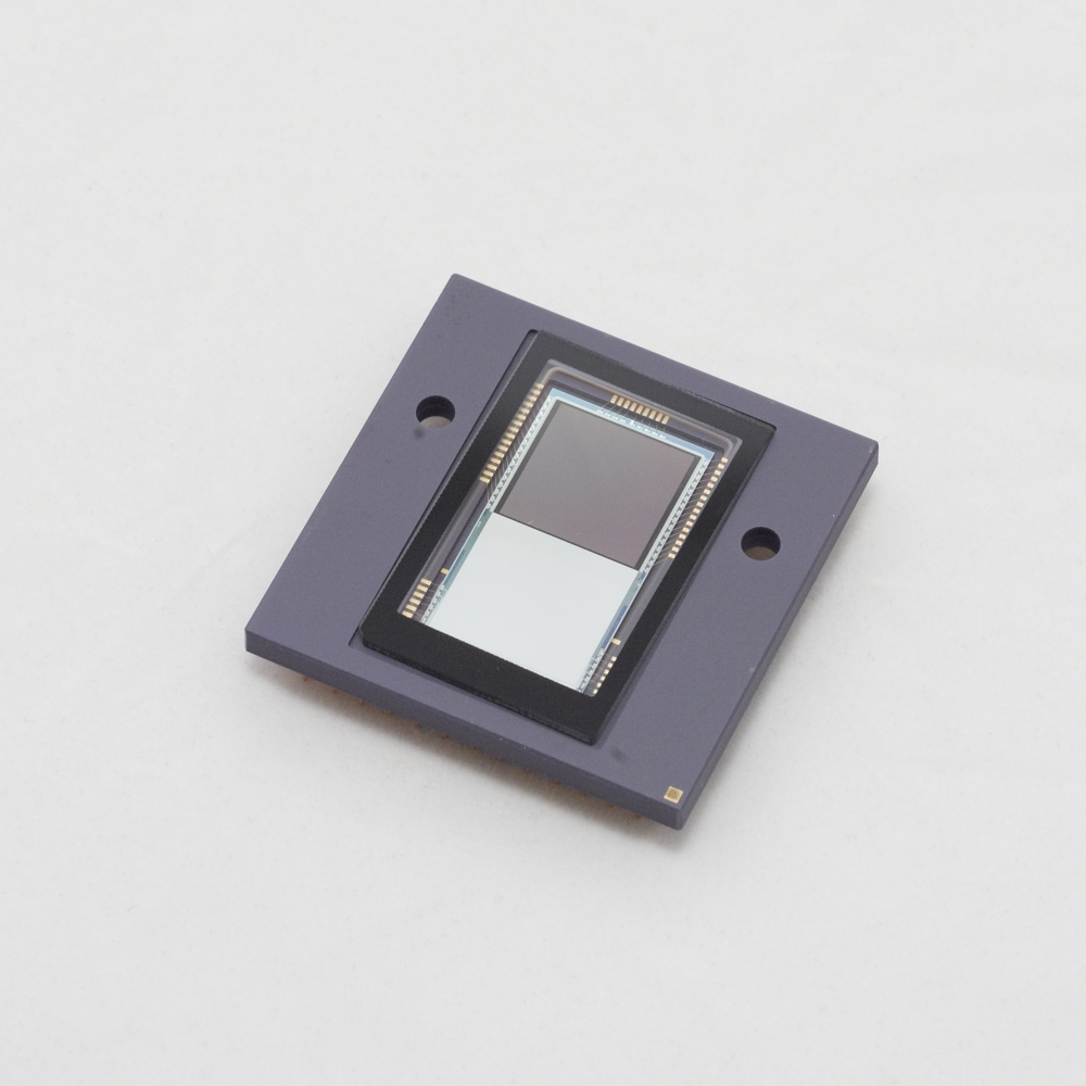Image sensor - Toggel features a unique image sensor that combines excellent light sensitivity with advanced fluorescence lifetime imagingcapabilities. This image sensor was designed and optimized specifically for fluorescence lifetime imaging applications and enables lifetime imaging at unprecedented frame rates with the single-image fluorescence lifetime imaging microscopy (siFLIM) method.