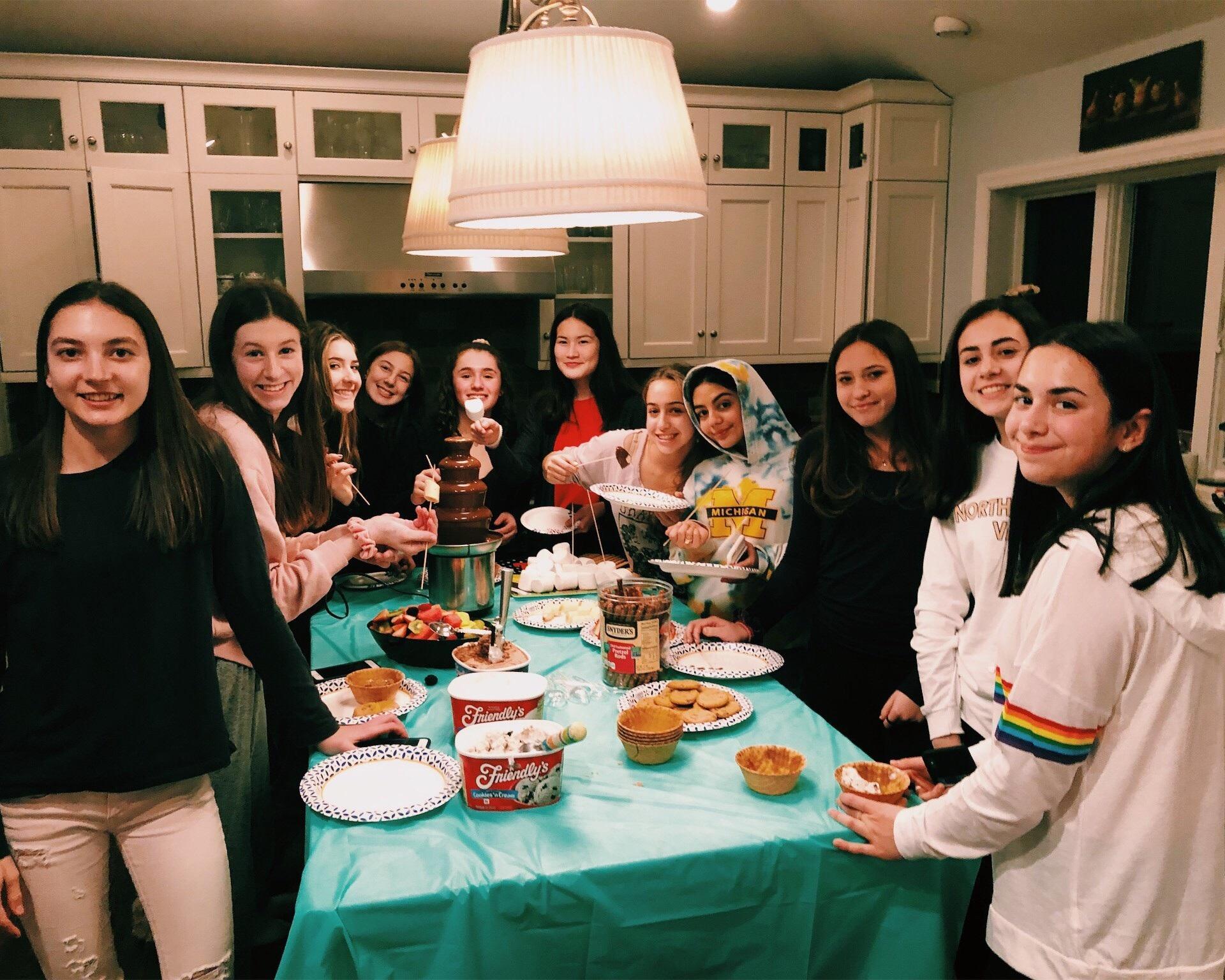 Seniors breakfasting at Allie Putzker's
