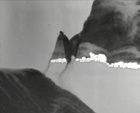 Miros  ł  aw Ba  ł  ka,    The Fall   , 2001, videostill