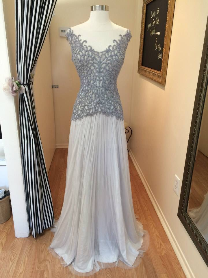 A gorgeous Catherine Deane bridal gown at Dahlia Bridal