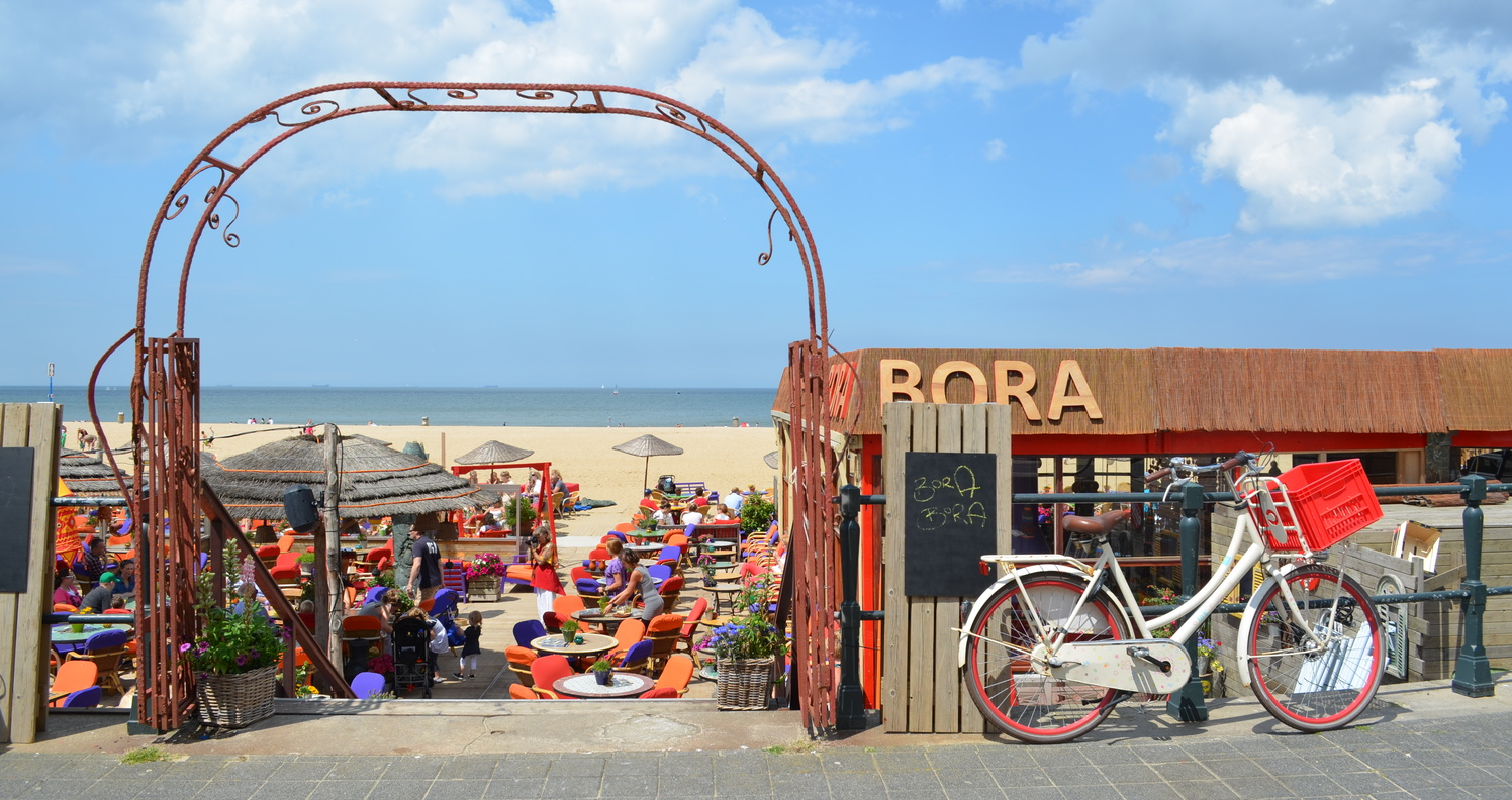 Bora Bora Bar and Cafe, Scheveningen - The Netherlands.  Image Source: travelling4work.blogspot