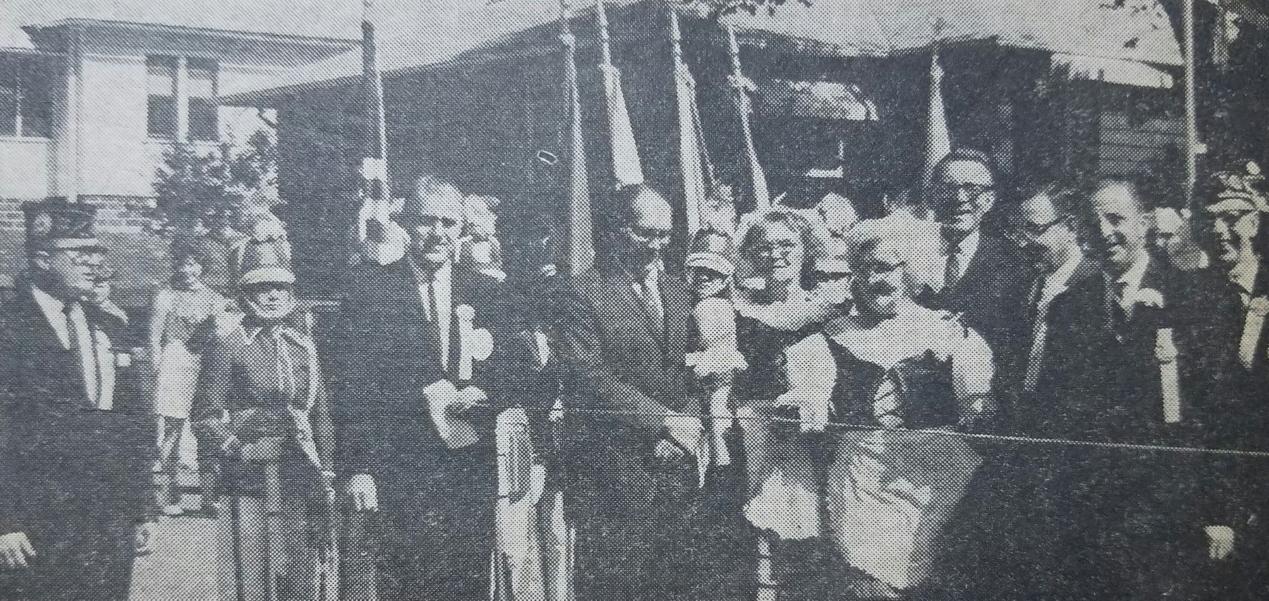 1963 - Emma Mladek & Lil Charles