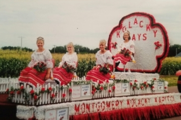 Montgomery's Kolacky Royalty 1999. From left: Miss Congeniality Amber Athey, 1st Princess Eve Vlasak, 2nd Princess Allisha Athey, and Queen Megan McCrady