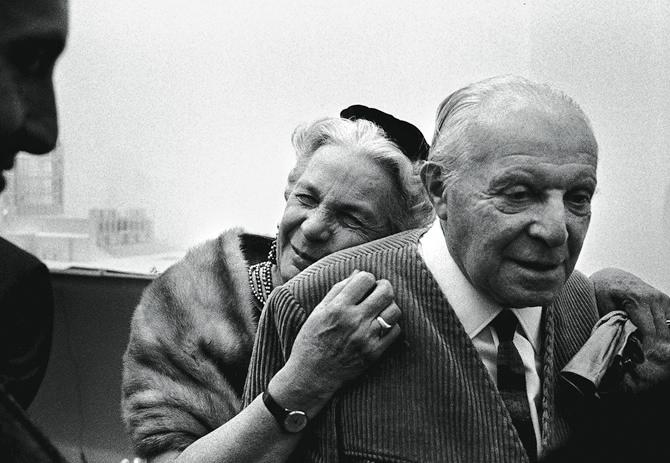 Gio Ponti with his beloved wife,  Giulia Vimercati.  Image via Elle Magazine.