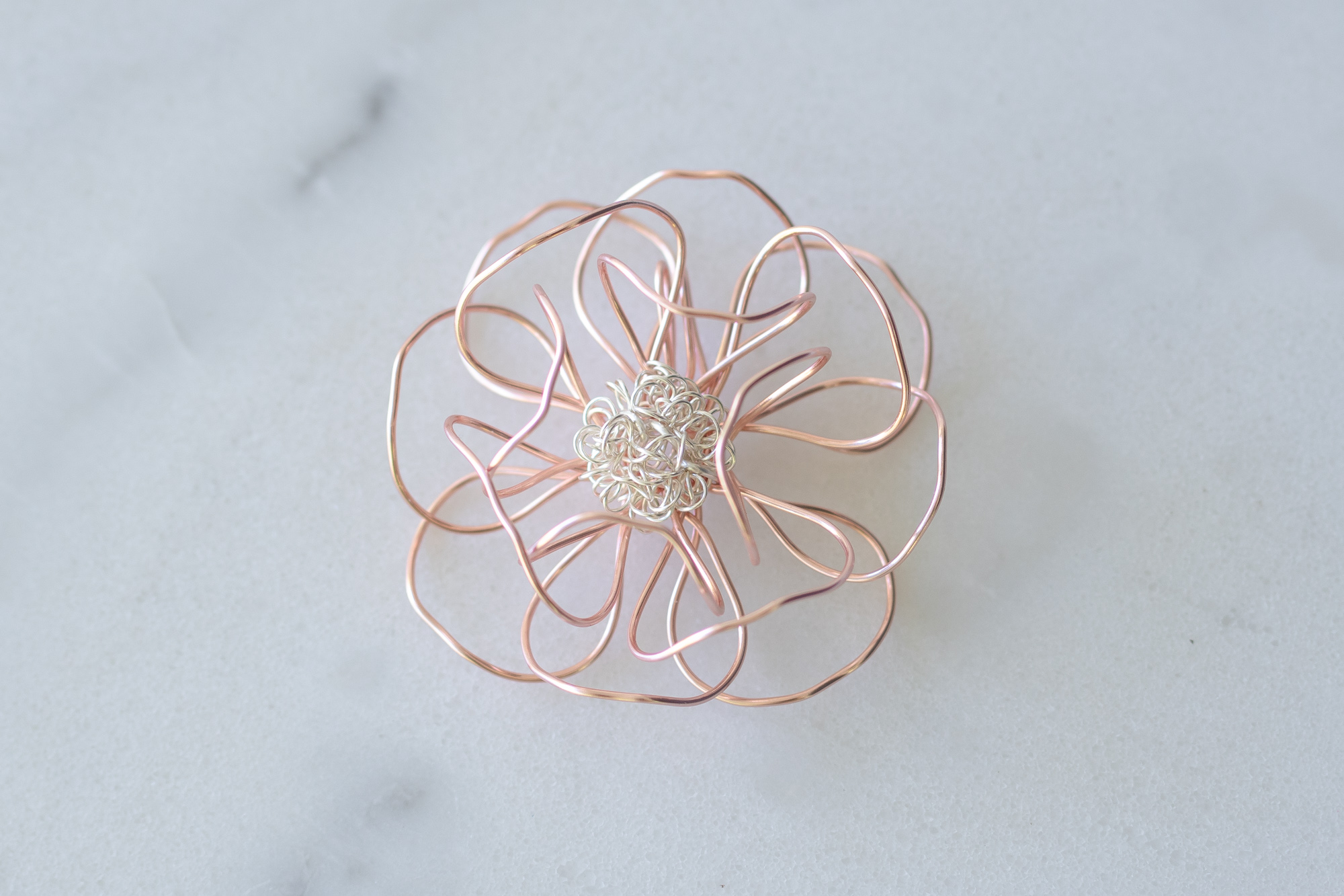 Colors Displayed : RoseGold/Silver