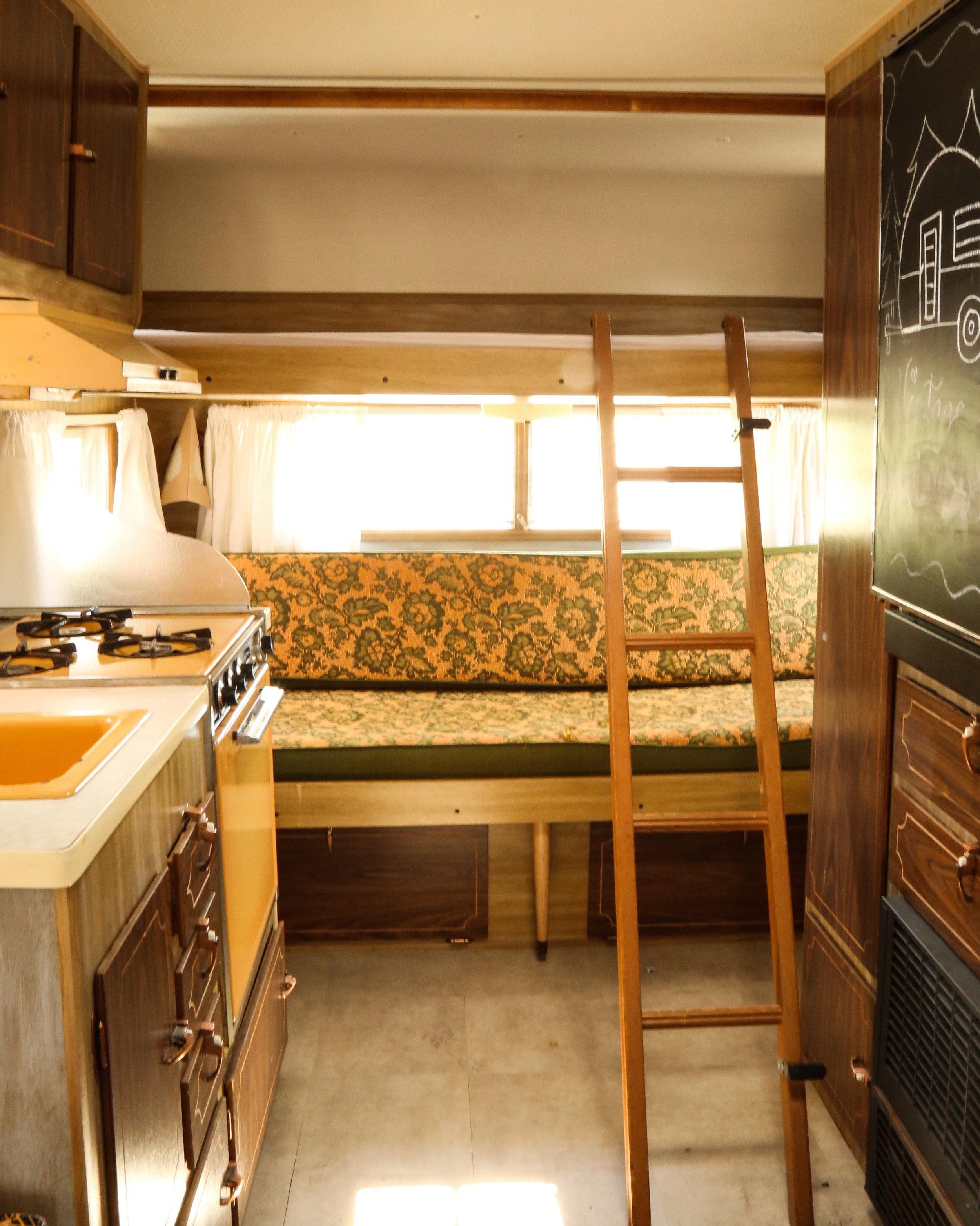 vintage trailer renovation, interior, bedroom 3