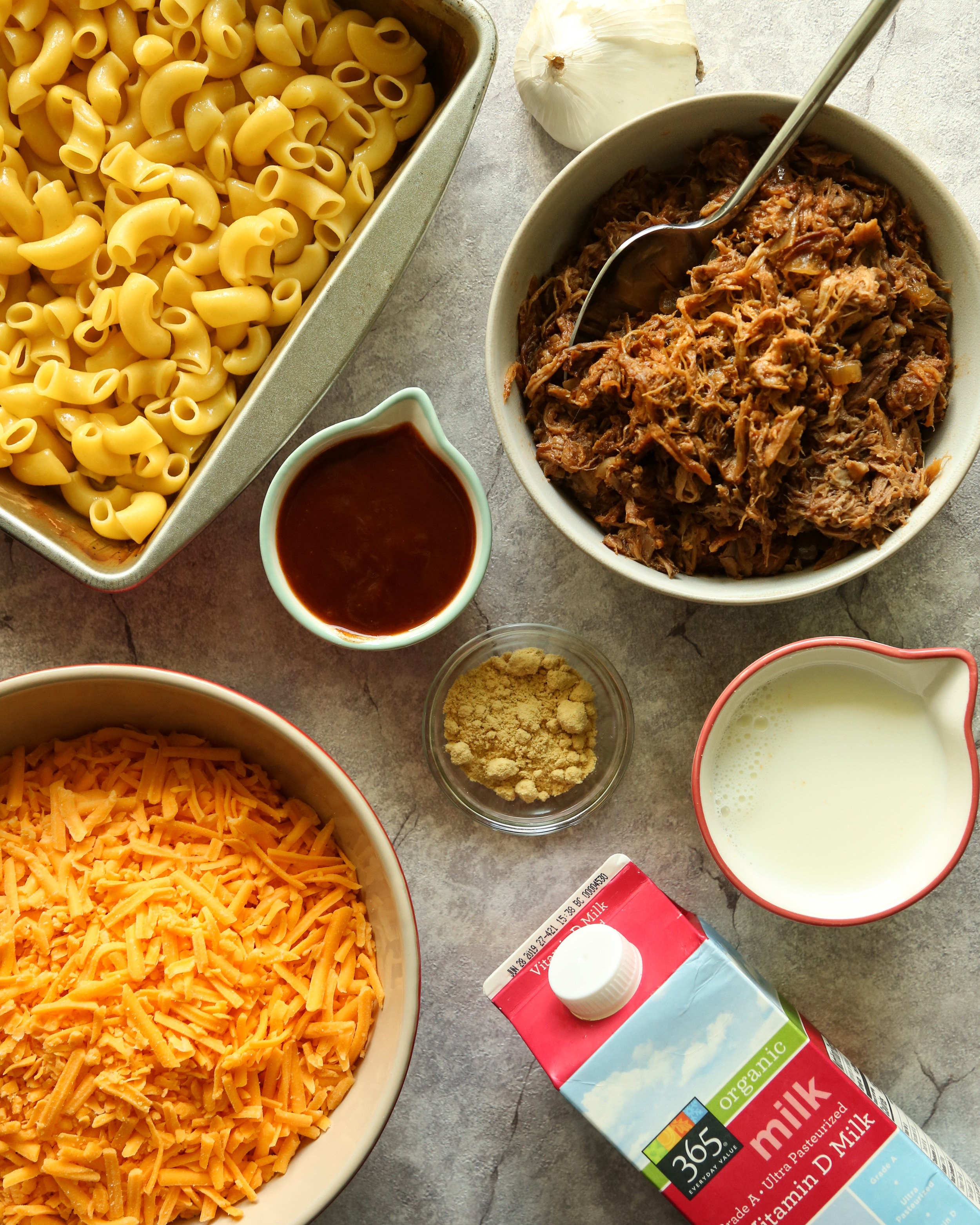 BBQ Pulled Pork Mac and Cheese