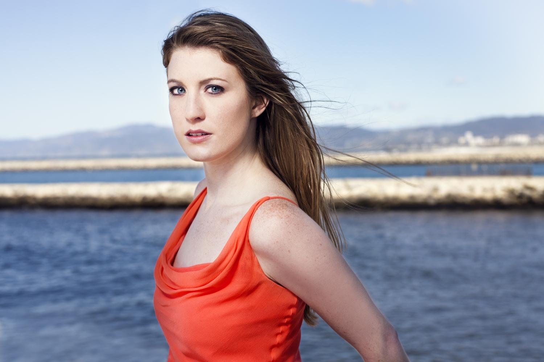 Victoria Fox, Mezzo-Soprano