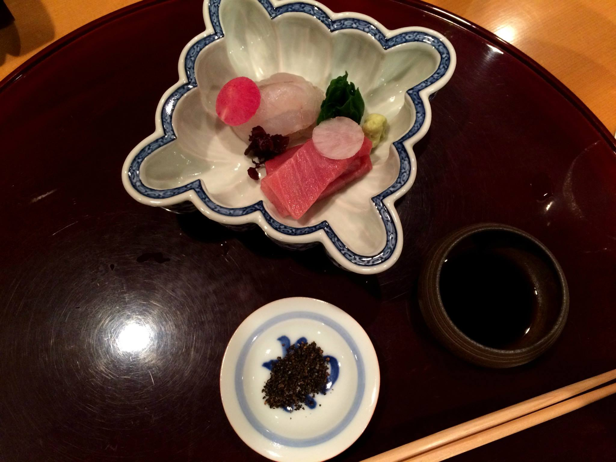 After the entree, more dishes kept coming. It was all very pretty and interesting and the flavours were very complex. I've actually lost count of the number of courses, all wonderful in its own right. The average price per person is ¥13,650 (US$ 109 at 2 June 2015 rates.)