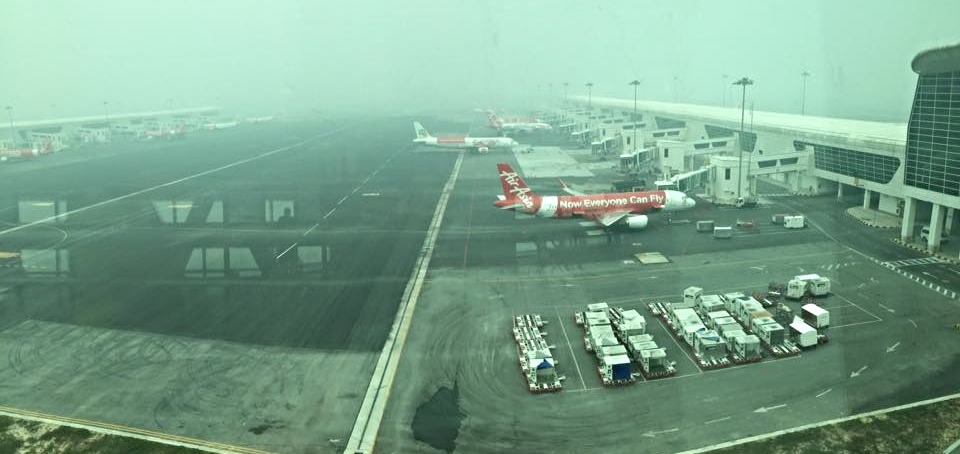 Visibility was reduced to a few hundred meters and in some airports, some of the flights were cancelled altogether.