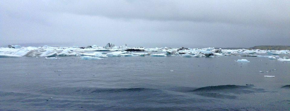 Out in Jökulsárlón glacier lagoon