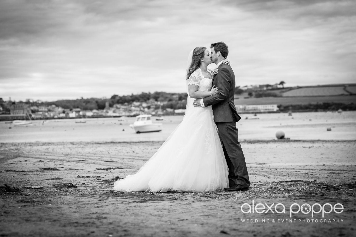 wedding_rock_cornwall-49.jpg