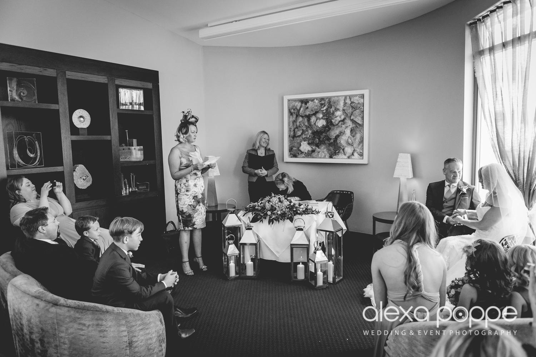 LP_wedding_cornwall-25.jpg