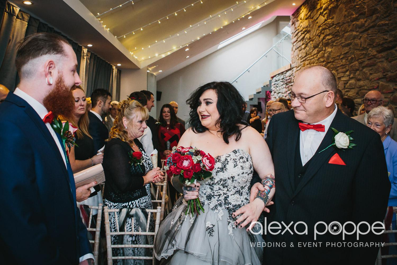 LM_wedding_trevenna_cornwall-24.jpg