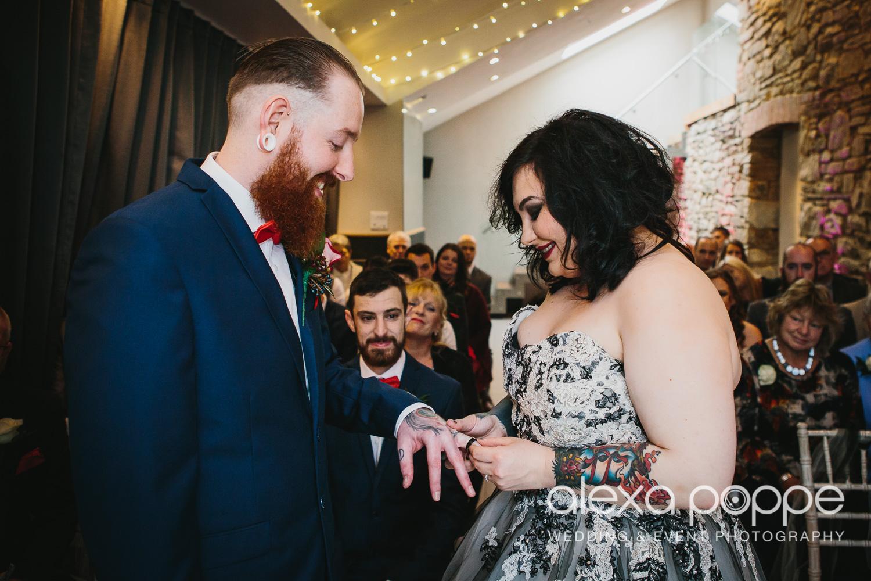 LM_wedding_trevenna_cornwall-26.jpg