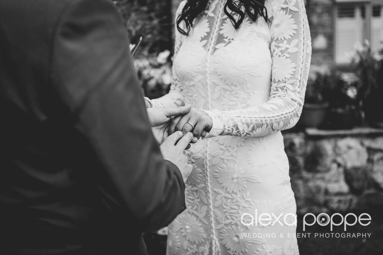 LR_wedding_lowerbarns-18.jpg