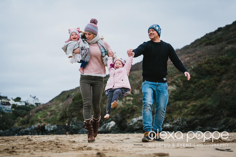 BA_familyportraits_crantock-1.jpg