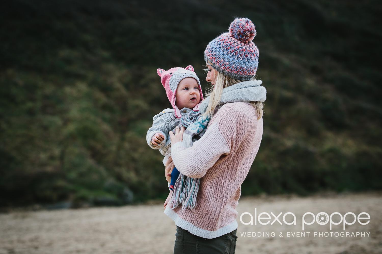 BA_familyportraits_crantock-3.jpg