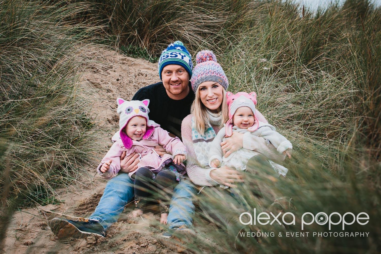 BA_familyportraits_crantock-9.jpg