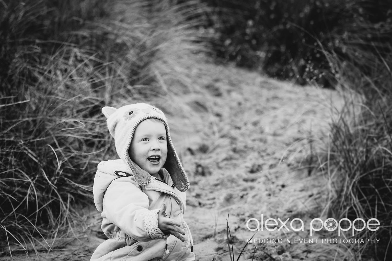 BA_familyportraits_crantock-10.jpg
