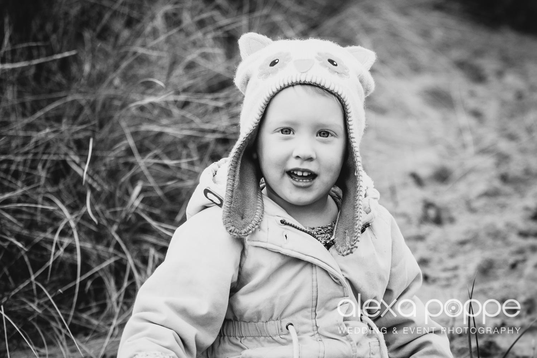 BA_familyportraits_crantock-11.jpg