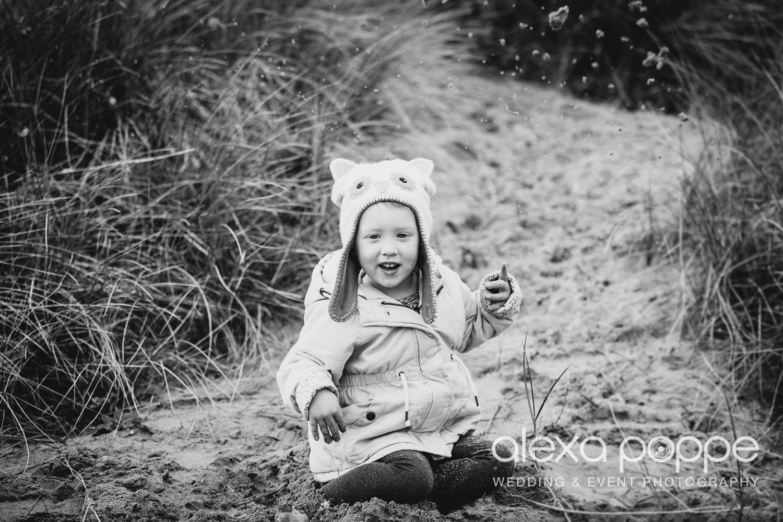 BA_familyportraits_crantock-18.jpg