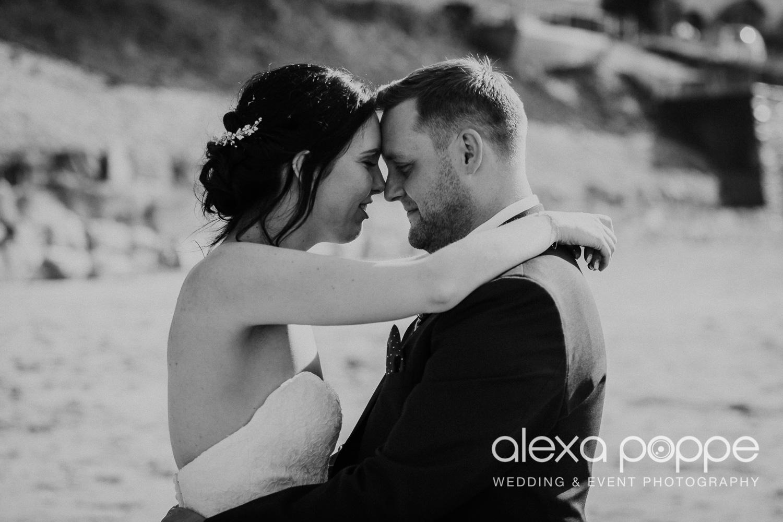 FE_wedding_gwelabmor_portreath_64.jpg