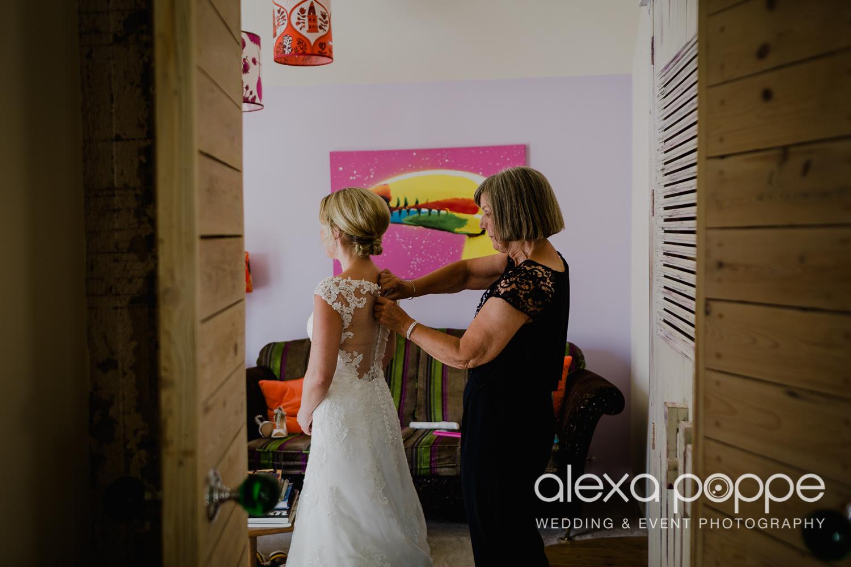 AH_wedding_lowerbarns_12.jpg