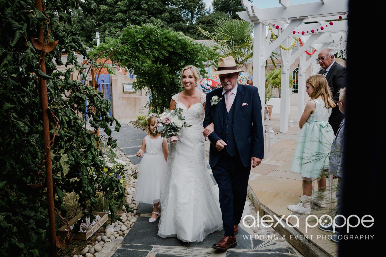 AH_wedding_lowerbarns_22.jpg