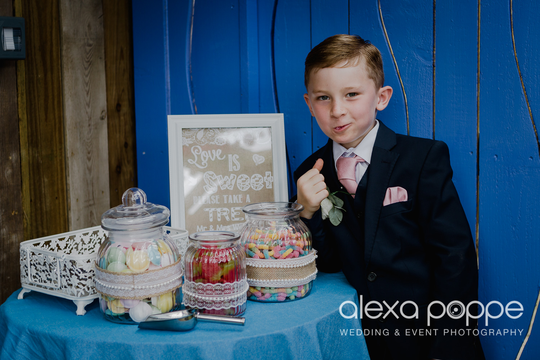 AH_wedding_lowerbarns_42.jpg