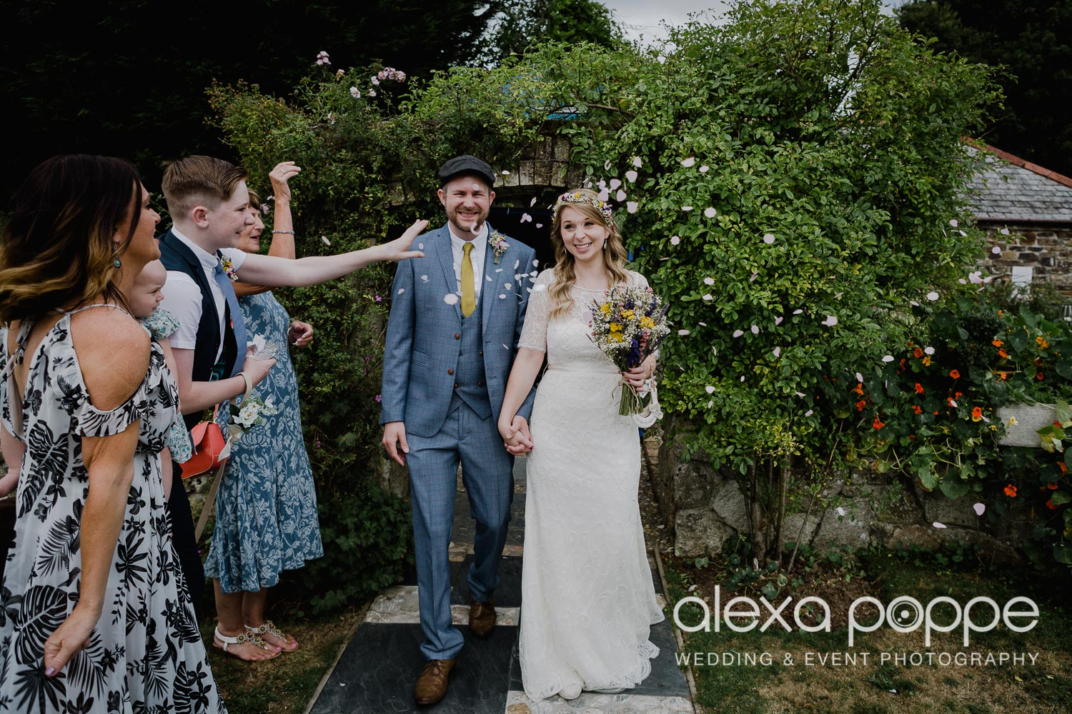 KR_elopement_lowerbarns_cornwall_12.jpg