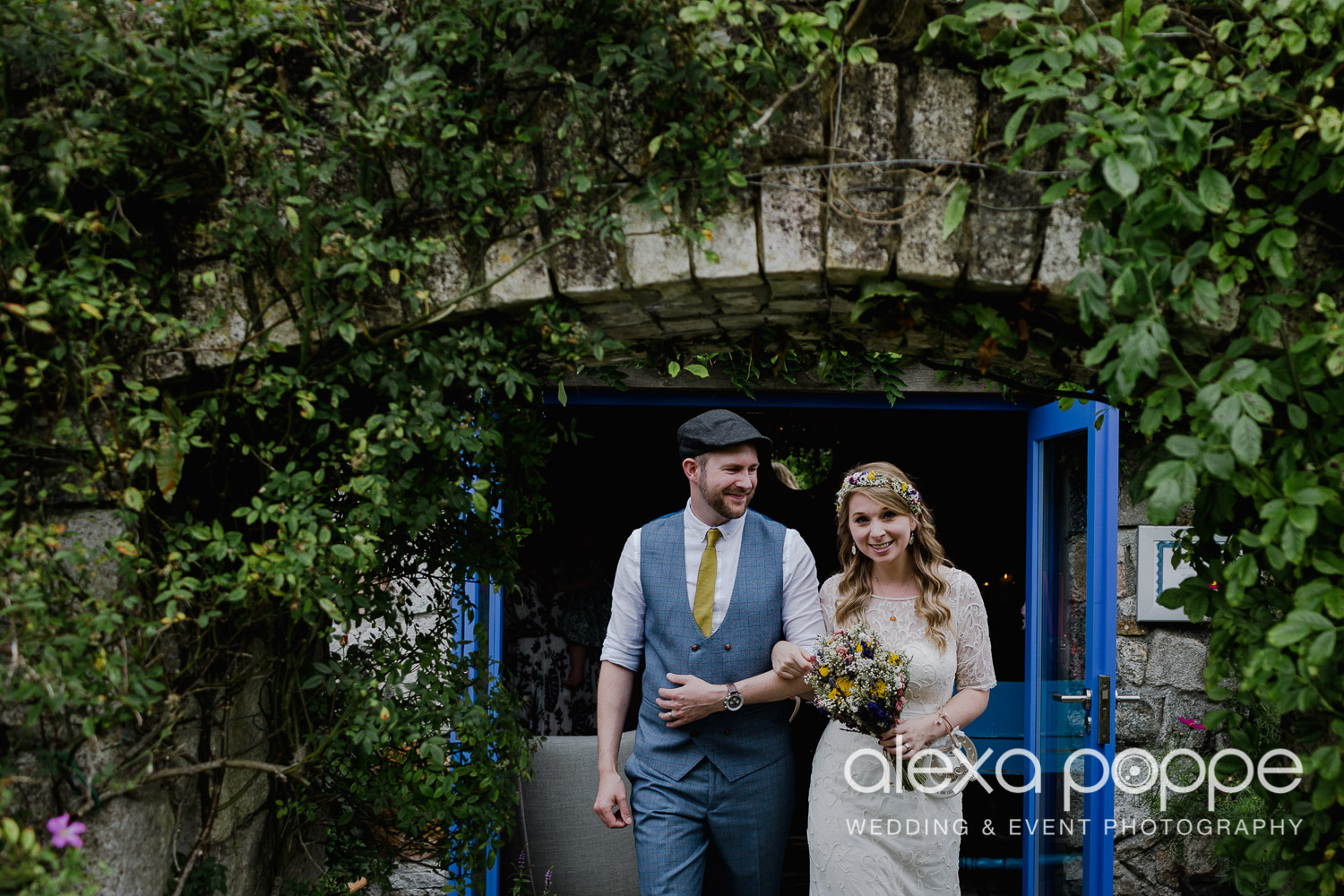 KR_elopement_lowerbarns_cornwall_11.jpg