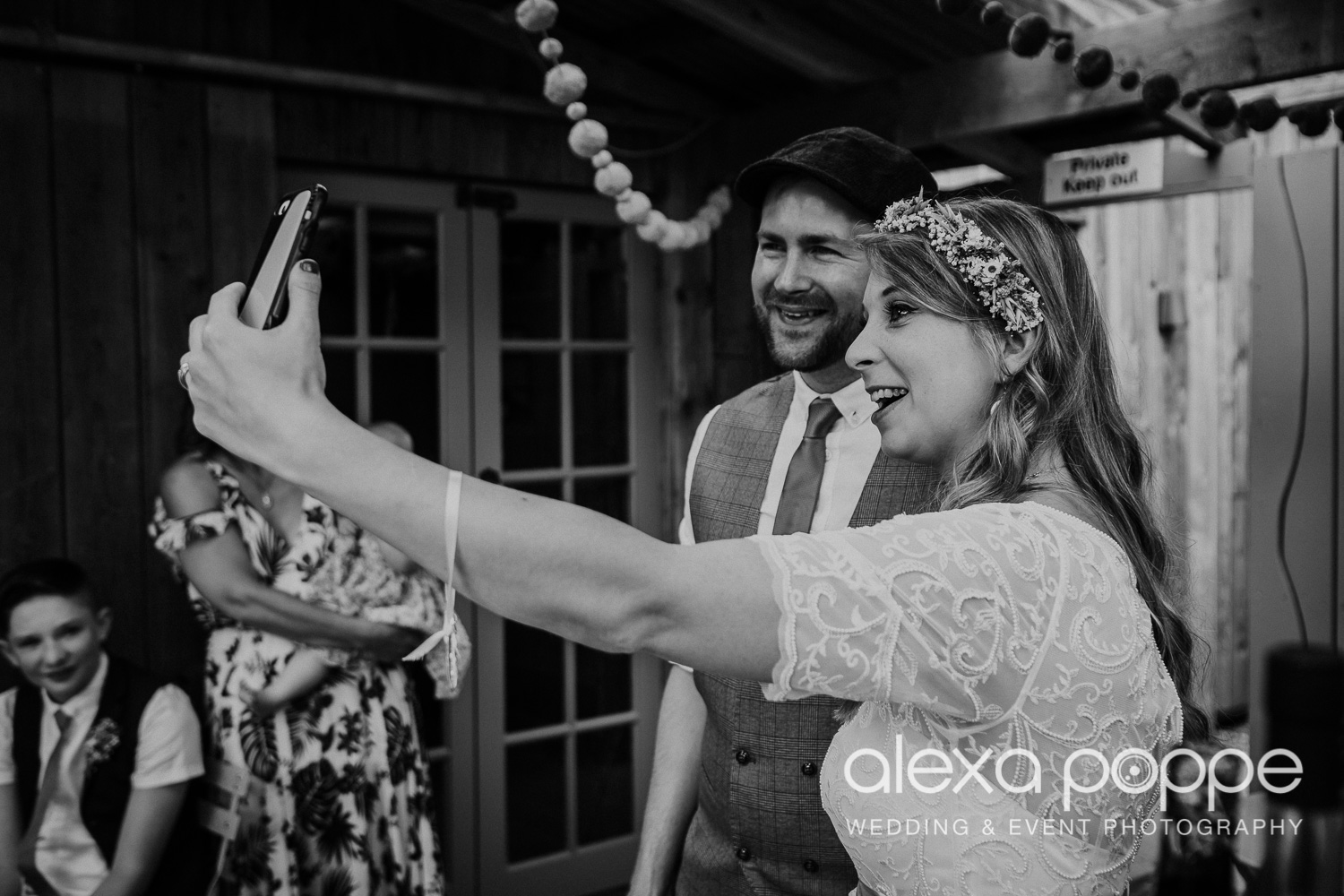 KR_elopement_lowerbarns_cornwall_19.jpg