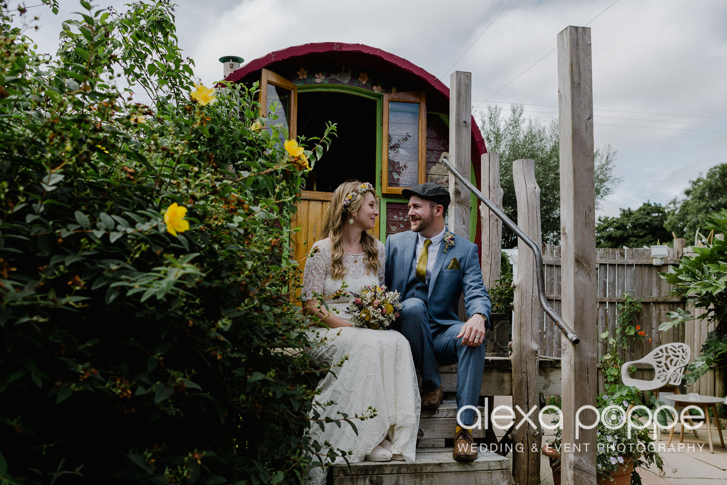 KR_elopement_lowerbarns_cornwall_21.jpg