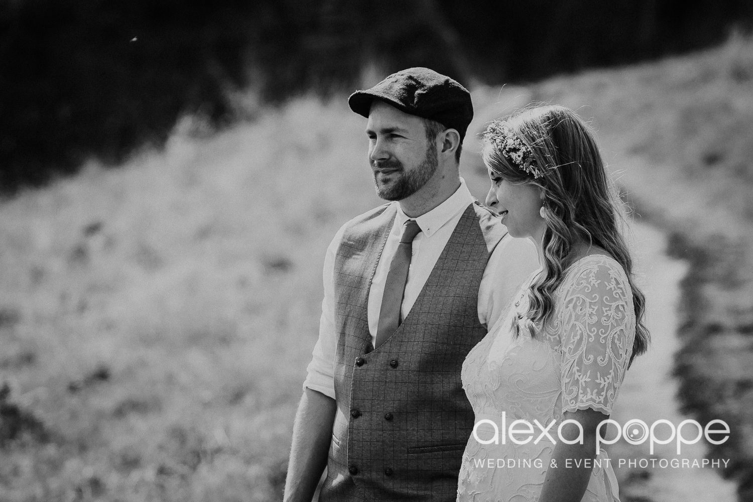 KR_elopement_lowerbarns_cornwall_34.jpg
