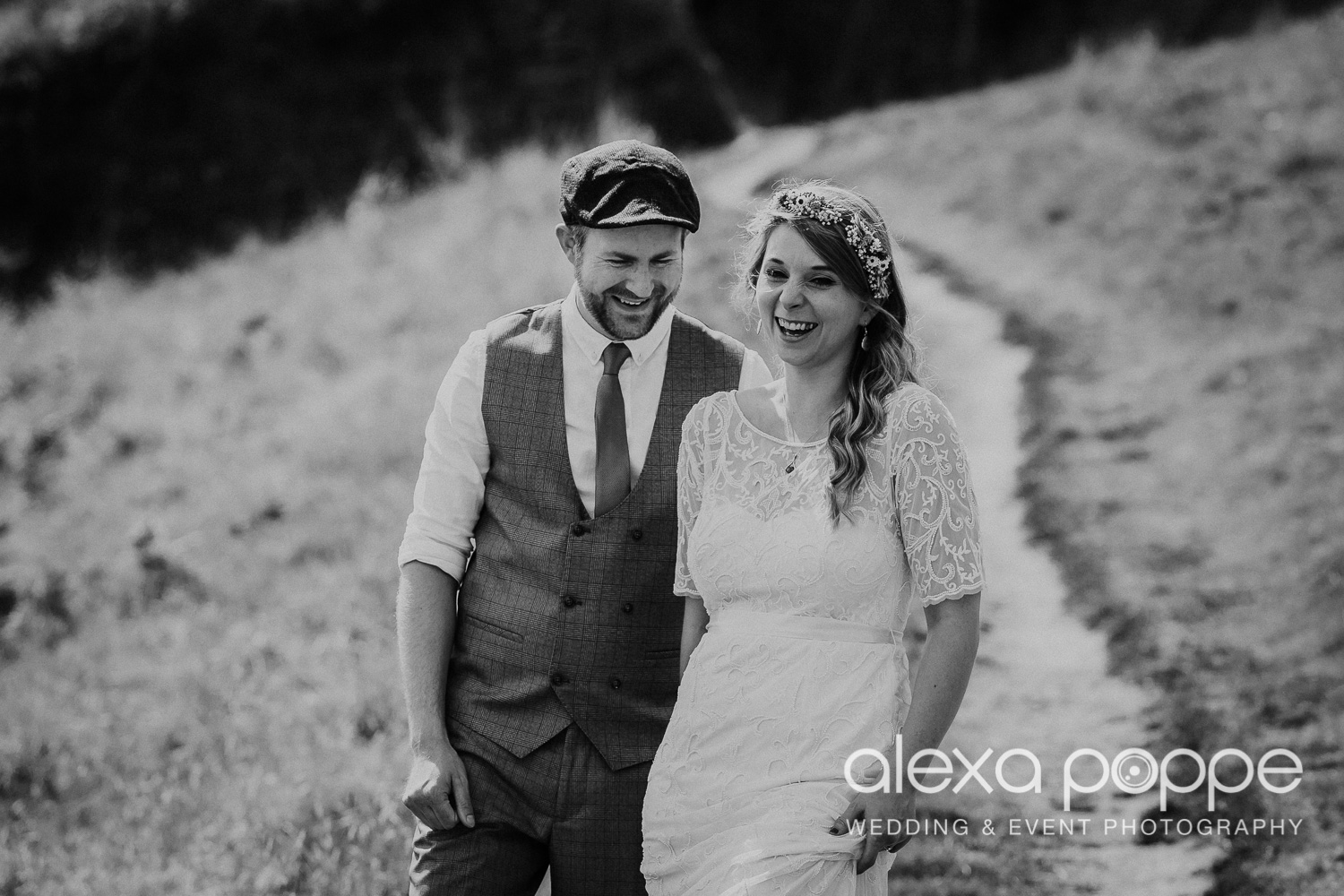 KR_elopement_lowerbarns_cornwall_35.jpg