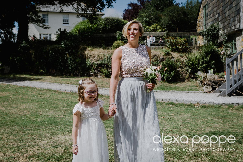 JA_outdoor_wedding_thegreen_cornwall_19.jpg