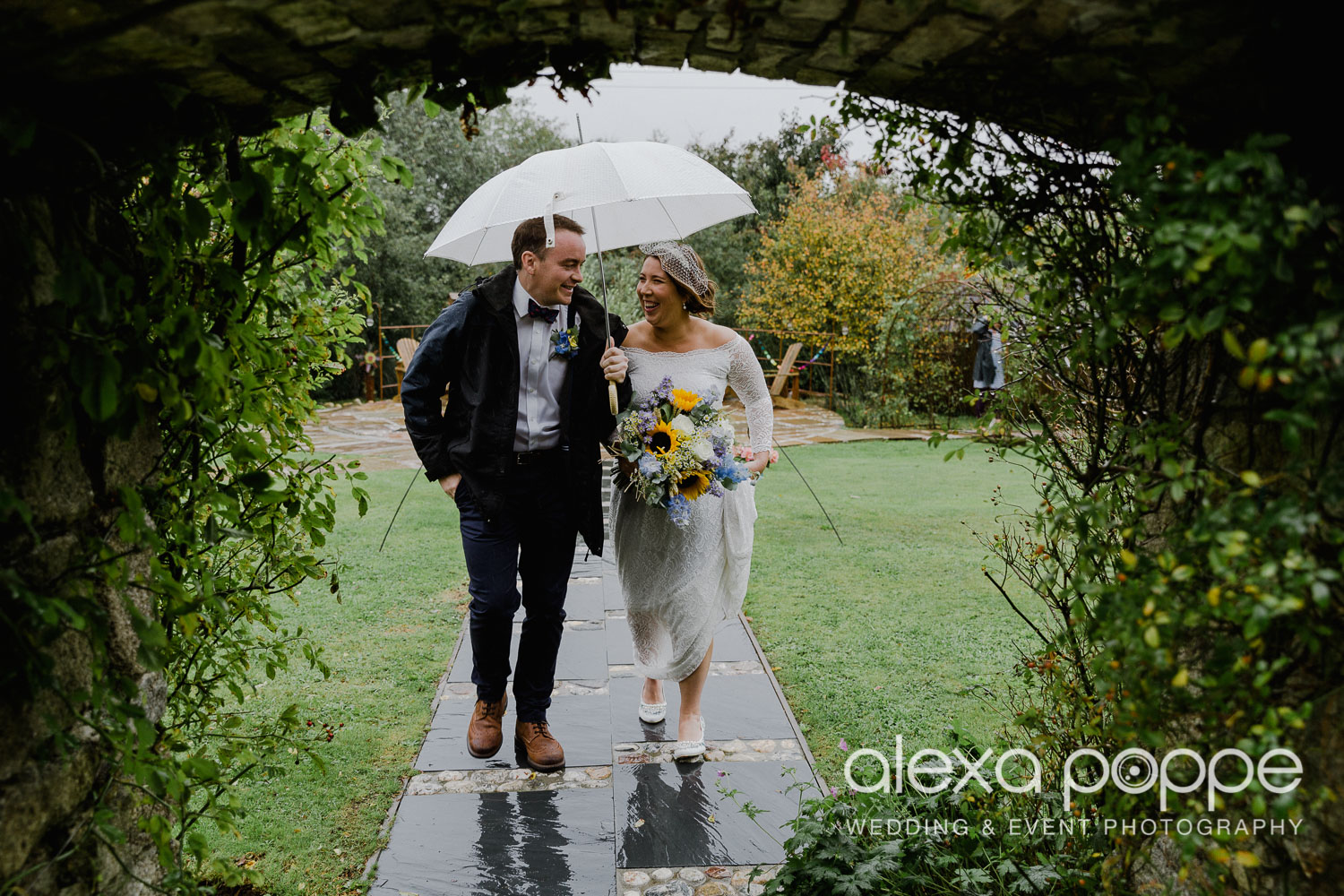 KM_elopement_lowerbarns_12.jpg