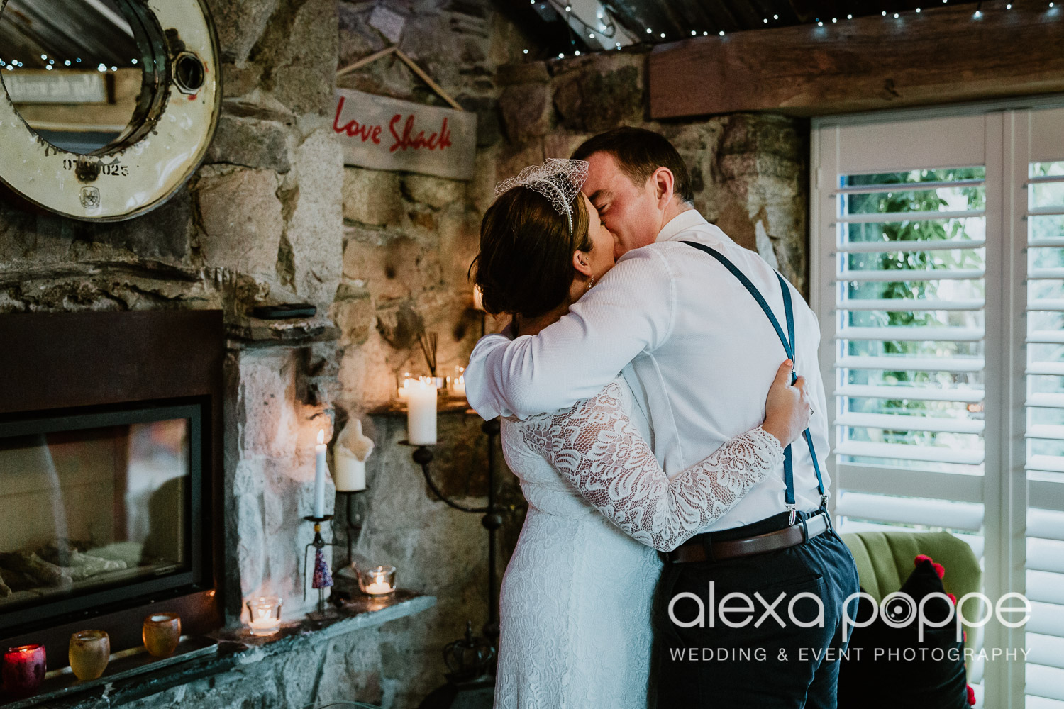 KM_elopement_lowerbarns_17.jpg