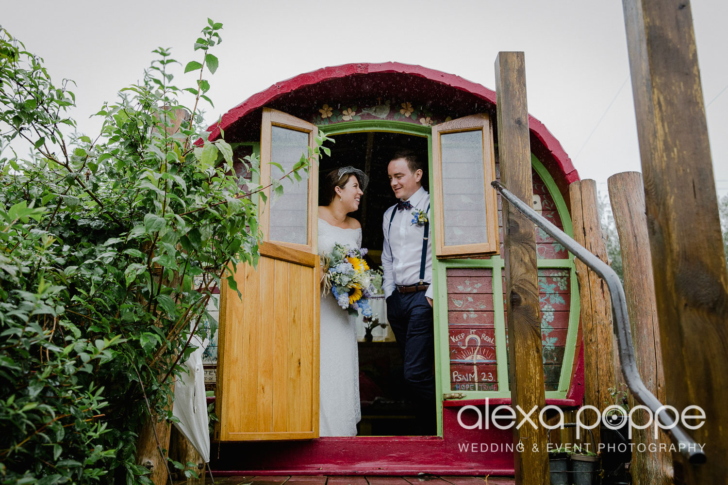 KM_elopement_lowerbarns_20.jpg
