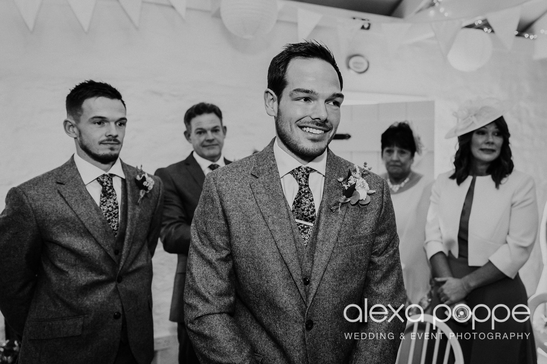 LJ_wedding_cosawesbarton_14.jpg