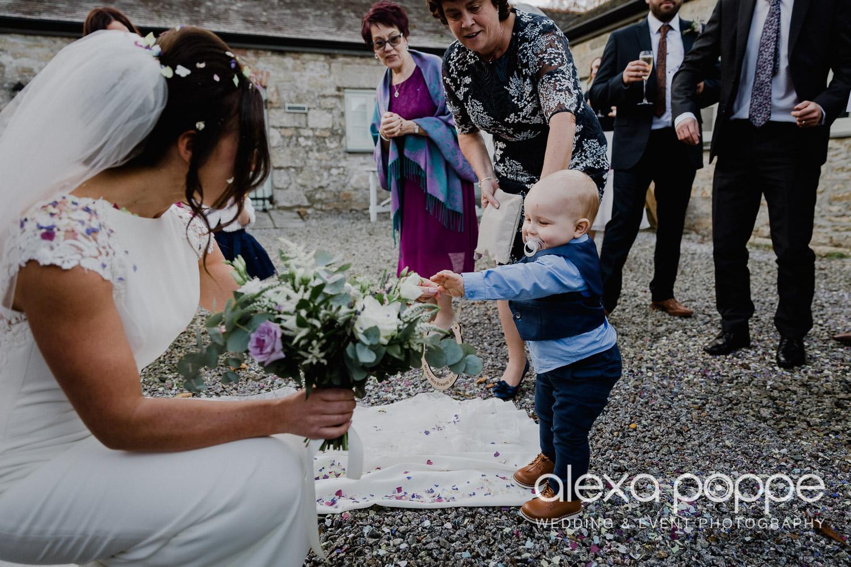 LJ_wedding_cosawesbarton_29.jpg