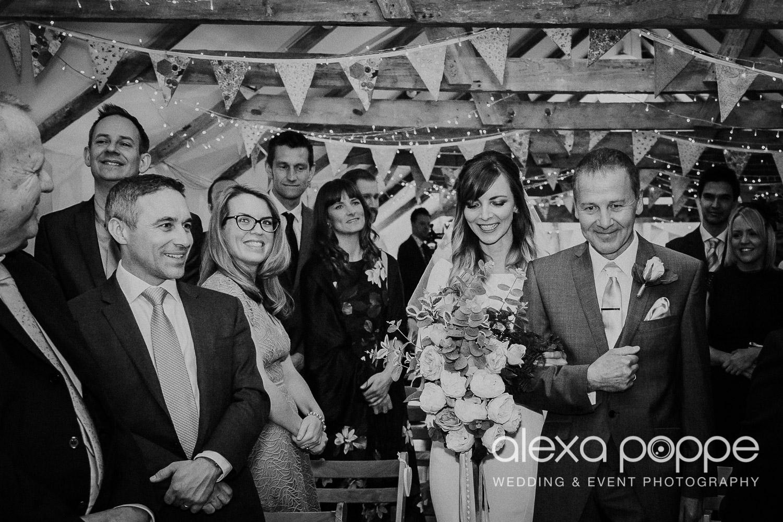 LS_wedding_thegreen_cornwall_10.jpg