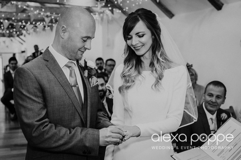 LS_wedding_thegreen_cornwall_15.jpg