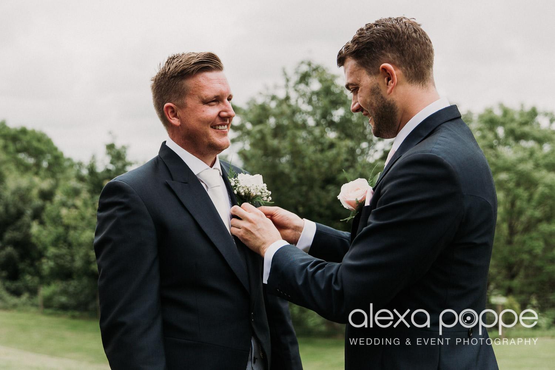 NT_wedding_thegreen_cornwall_19.jpg